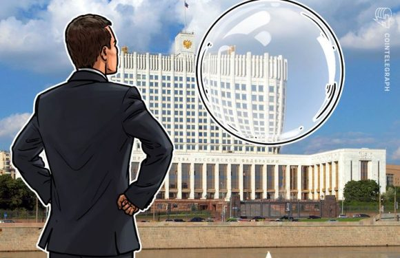 Russian Economic Minister Says BTC Is 'Soap Bubble' But Lauds Crypto's Influence on Tech